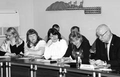 Представители многодетных семей Тольятти и депутат СГД Александр Дроботов надеются на скорейшее решение проблем очередников