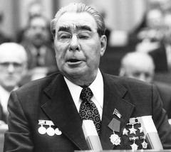 С Брежневым в башке