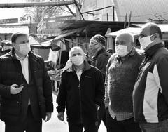 Зампредсед ОП Самарской обл. Павел Покровский (слева) обсудил с представителями рынка «Норд» ценовую политику
