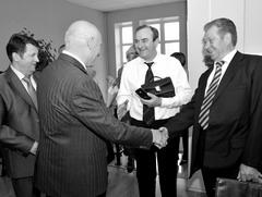 Председатель комиссии по «выбору почетных граждан» Н. Ляченков пользовалс