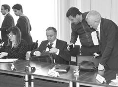 Новый замглавы Тольятти по имуществу и градостроительству Олег Захаров (в центре) приступил к работе.