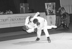 Бои за звание чемпиона в СК «МТЛ Арена» шли напряженные