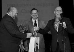 Думу Самары с 25-летием поздравили первые замглавы Самары Максим Харитонов (в центре) и Владимир Василенко (справа).