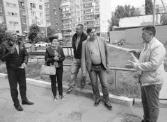 В домах, где проводится капремонт на средства спецсчетов, УК проводит встречи жителей и исполнителей работ для контроля
