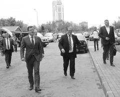 Врио губернатора Самарской обл. Дмитрий Азаров прибыл на церемонию вручения ключей от квартир детям-сиротам