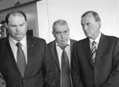 Когда речь заходит о переговорах с Renault, Игорь Есиповский (слева) пытается быть сд