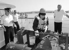 По итогам конкурса лучшим матросом речного флота была признана Родина Кондрашина (в центре), матрос Порт Тольятти