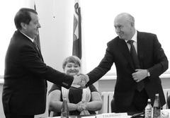 Николай Меркушкин первым поздравил Владимира Классена со вступлением в должность