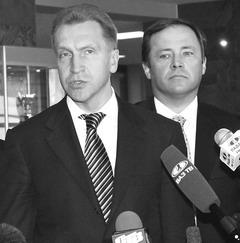 На АВТОВАЗе Игорь Шувалов изучил финансовые схемы гендиректора ОАО «АВТОВАЗ» Игоря Комарова (справа).