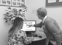 Сотрудники «Самараэнерго» помогают клиентам освоить электронные сервисы.