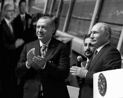 Владимир Путин с Реджепом Эрдоганом на церемонии завершения строительства морского участка газопровода «Турецкий поток&