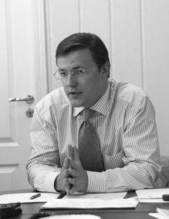Дмитрий Азаров: