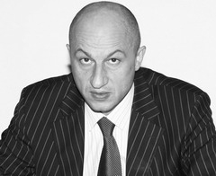 Абрамов потянул Иванова