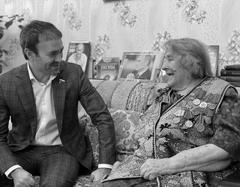 Евгению Серперу и Дарье Погодаевой было о чем поговорить