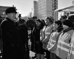 Николай Меркушкин в канун 8 Марта сделал женскому коллективу кондукторов подарок в виде новых автобусов