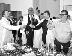 Мэр Жигулевска Александр Курылин (слева) и хозяин «Услады» Валерий Шиянов